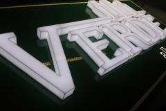 Litery 3D z plexi